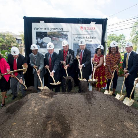 Rutgers dignitaries, the Class of 1971, RAAA members and local leaders break ground on Paul Robeson Plaza